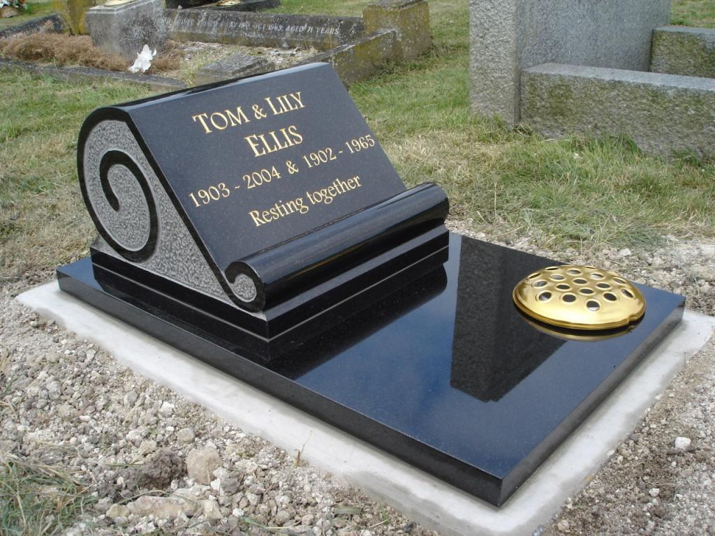 Tom & Lily Ellis